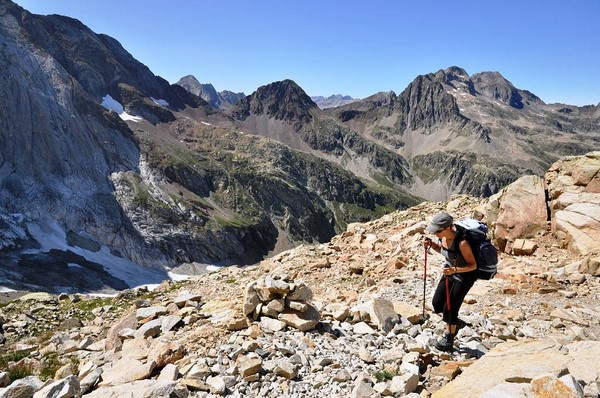 self guided walking holiday mountains pyrenees national park france